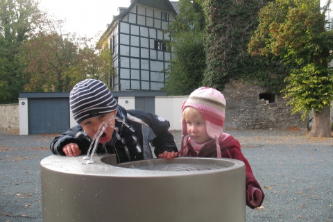 trinkwasserbrunnen-trinkbrunnen-kalkmann-kontakt-kunst-2003-fulda-modell-labyrinth-3