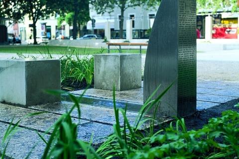 trinkwasserbrunnen-trinkbrunnen-kalkmann-kontakt-kunst-2001-hannover-der-h-brunnen-modell-tbh-6