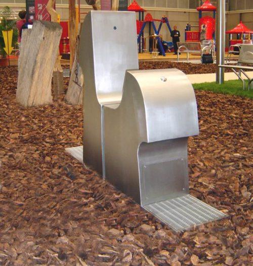 Trinkbrunnen Kalkmann Kontakt Kunst TB Pferd