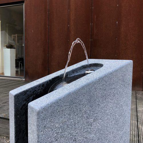 Kalkmann Kontakt Kunst Trinkwasserbrunnen Tb Stein mit internem Ablauf